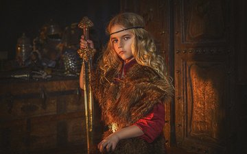 блондинка, меч, девочка, ребенок, костюм, наряд, локоны, мех