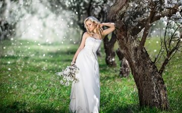 цветение, девушка, платье, блондинка, весна, букет, прическа