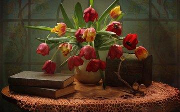 цветы, книги, тюльпаны, салфетка, кувшин, столик, натюрморт, птички, фигурка, витраж, сундучок