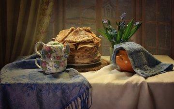 цветы, стол, окно, чайник, полотенце, тарелка, блинчики, блины, натюрморт, скатерть, шарф