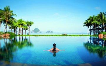 природа, девушка, море, брюнетка, острова, пальмы, отдых, курорт, лагуна, тропики, в воде, купается