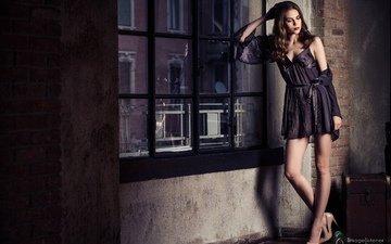 девушка, взгляд, модель, волосы, окно, позирует