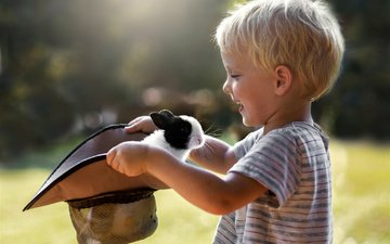 радость, ребенок, кролик, мальчик, животное, шляпа, боке, sveta butko