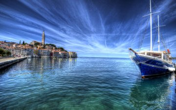 небо, море, горизонт, побережье, лодка, дома, городок, яхта, хорватия, rovin