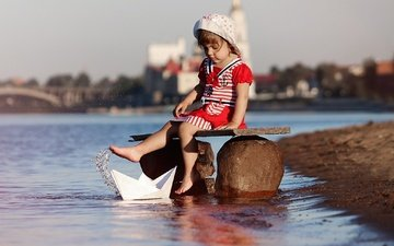 river, dress, squirt, girl, child, boat, panama