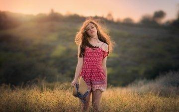 вечер, девушка, поле, взгляд, ножки, волосы, локоны, шляпка, edie layland
