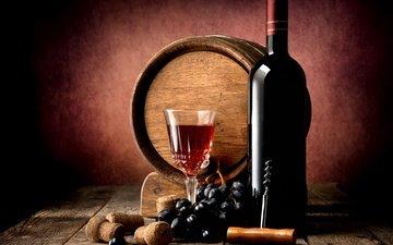 виноград, стол, доски, бокал, вино, бутылка, бочка, красное, полумрак, пробки, штопор