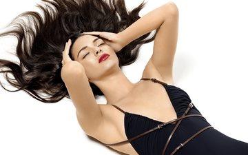 девушка, волосы, закрытые глаза, американская топ-модель, кендалл дженнер