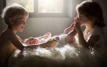 дети, девочка, любовь, мальчик, нежность, младенец, поцелуй, мех, sveta butko