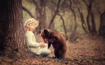 nature, background, bear, children, girl, hair, face, berries, child, friends, treat