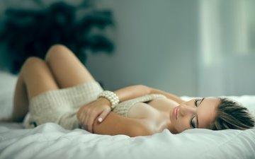 девушка, сон, ножки, браслет, закрытые глаза, sabrina