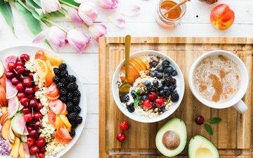 еда, фрукты, кофе, букет, ягоды, тюльпаны, завтрак, мед, мюсли, авакадо