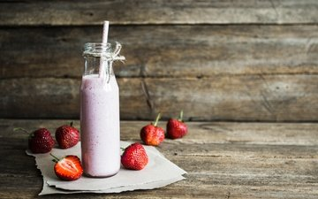 food, strawberry, berries, cocktail, breakfast, bottle, tube, dessert, smoothies