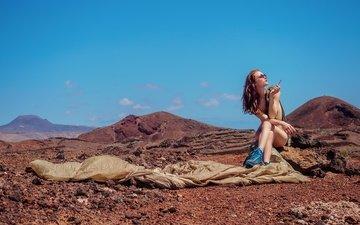 горы, девушка, поза, очки, сигарета