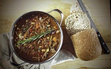 хлеб, овощи, нож, суп
