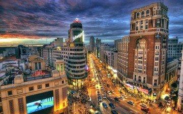 небо, дорога, облака, фонари, огни, вечер, закат, дома, движение, улицы, испания, мадрид