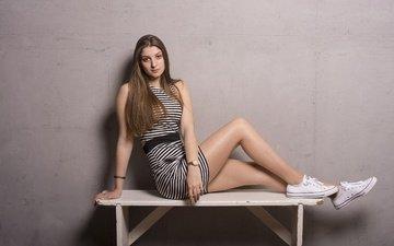 девушка, поза, взгляд, кеды, ножки, волосы, скамья, фигура, mimi