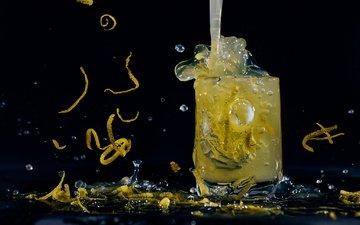 напиток, капли, лимон, черный фон, стакан, цедра, лимонад