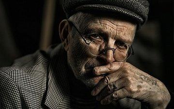 glasses, cap, the old man, wrinkles