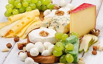 орехи, виноград, сыр