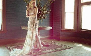 платье, блондинка, стол, комната, актриса, окно, макияж, фигура, туфли, фотосессия, кристен белл
