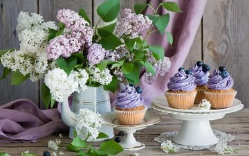flowers, bouquet, blueberries, vase, sweet, lilac, dessert, still life, cake, cupcakes, cream