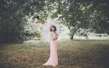 трава, деревья, девушка, зонт, розовое платье