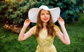 глаза, девушка, улыбка, взгляд, волосы, лицо, шляпка, кира