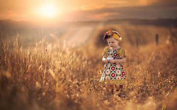 солнце, настроение, платье, поле, девочка, прогулка, ребенок, простор, боке