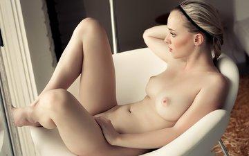 кресло, голая, ню, блонд