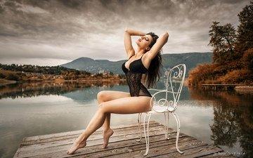 озеро, природа, мостик, лес, девушка, брюнетка, пирс, модель, ножки, фигура, боди, стул(
