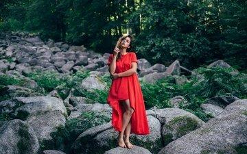 камни, девушка, поза, красное платье