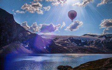 небо, облака, озеро, река, горы, лучи солнца, норвегия, воздушный шар, лофотенские острова
