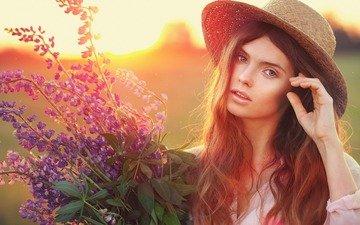цветы, девушка, портрет, взгляд, букет, лицо, шляпа, шатенка, станислав пучковский