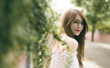 девушка, улыбка, портрет, взгляд, очки, волосы, азиатка