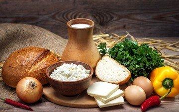 зелень, лук, сыр, хлеб, овощи, яйца, молоко, натюрморт, перец, творог, петрушка, мешковина