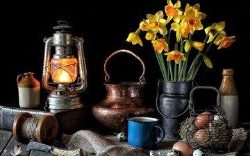 цветы, фонарь, кружка, посуда, яйца, нарциссы, медь, натюрморт