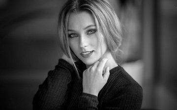 блондинка, портрет, чёрно-белое, модель, кофта, макияж, боке, mara, alex fetter