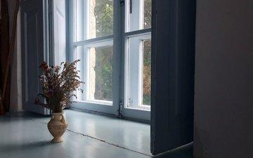 цветы, дом, букет, окно, ваза