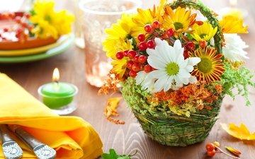 цветы, свечи, букет, ягоды, хризантемы, сервировка, корзины
