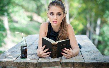 девушка, напиток, взгляд, книга, кока-кола, marta segovia