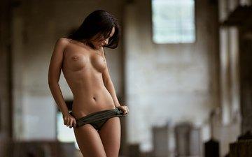 девушка, платье, модель, торс, сиськи, голая, соски, стягивает