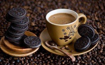 кофе, чашка, кофейные зерна, печенье, ложка