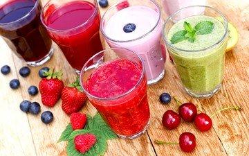 клубника, ягоды, вишня, напитки, черника, стаканы, сок, смузи