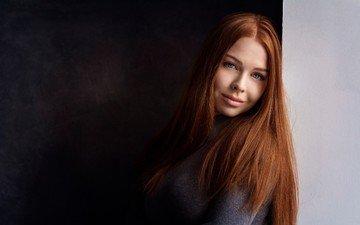 девушка, улыбка, портрет, взгляд, модель, волосы, лицо, позирует, рыжеволосая