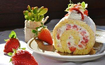 клубника, ягоды, сладкое, десерт, бисквит, рулет, крем