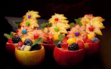 мята, виноград, малина, яблоки, клубника, киви, черника, персик, ежевика, голубика