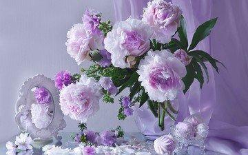 цветы, лепестки, зеркало, букет, колокольчики, сладкое, зефир, натюрморт, пионы