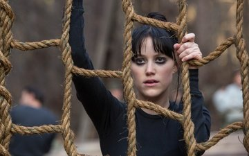 girl, brunette, frame, rope, training, ropes, the 5th wave, 5th wave, mike monroe