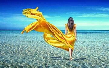 девушка, море, брюнетка, желтое платье